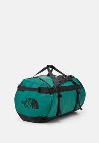 The North Face - BASE CAMP DUFFEL L UNISEX - Reistas - evergreen/black - 2