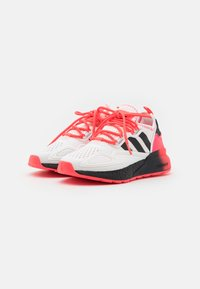 adidas Originals - ZX 2K BOOST SPORTS INSPIRED SHOES UNISEX - Zapatillas - footwear white/core black/signal pink - 1