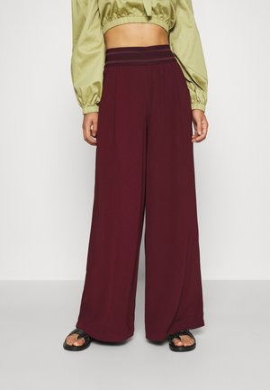 ONLALEX LIFE LONG WIDE PANT - Trousers - port royale