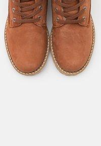 Vero Moda - VMSINEA BOOT - Ankle boot - auburn - 5