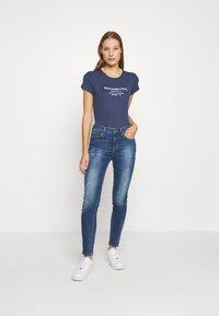 Abercrombie & Fitch - LONG LIFE LOGO - Print T-shirt - navy - 1