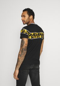 Brave Soul - T-shirt med print - black/multi - 2