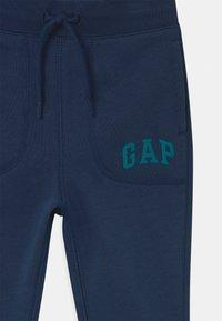 GAP - TODDLER BOY ARCH  - Pantaloni - night - 2