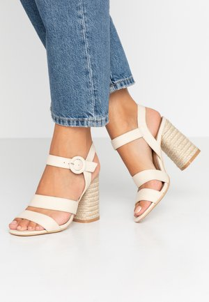 SANTAL STRAPPY - Sandály na vysokém podpatku - oat
