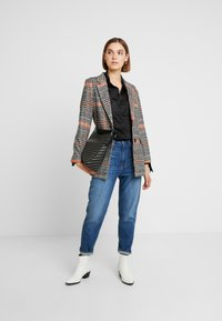 Neuw - WARHOL - Short coat - positano tweed