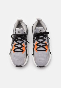 adidas Originals - X9000L4 BOOST SPORTS RUNNING SHOES - Matalavartiset tennarit - grey two f/night met./grey three f - 3