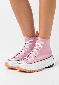 Converse - RUN STAR HIKE - Zapatillas altas - lotus pink/white/black - 3