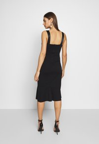 WAL G. - V NECK RUFFLE MIDI DRESS - Cocktailkjole - black - 2