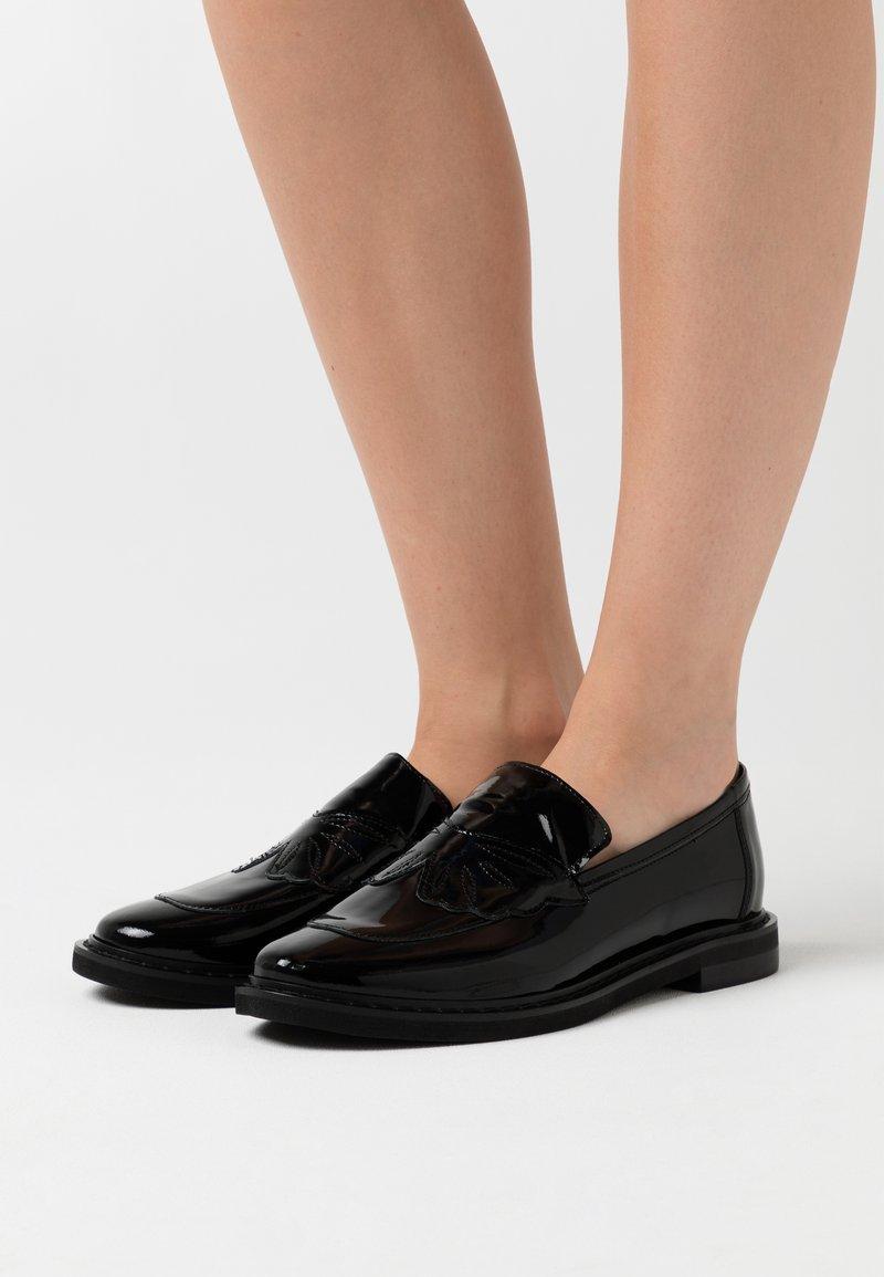 L37 - COOL ENOUGH - Slip-ons - black