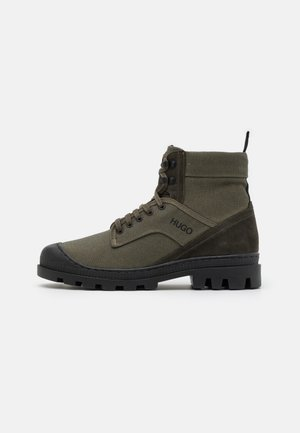 BUSTLER - Lace-up ankle boots - dark green