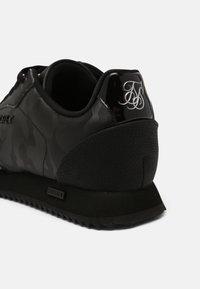 SIKSILK - SENNA - Sneakers - black - 4