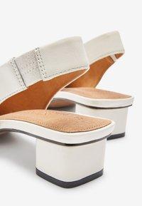 Next - Classic heels - off white - 4