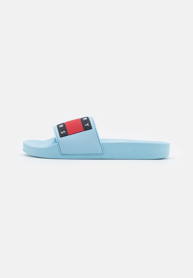 FLAG POOL SLIDE - Muiltjes - sail blue
