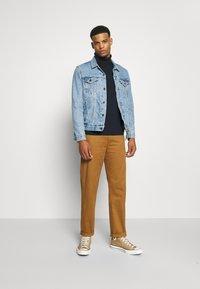 Burton Menswear London - FINE GAUGE ROLL  - Maglione - navy - 1