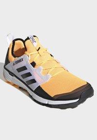 adidas Performance - TERREX SPEED LD TRAIL RUNNING SHOES - Obuwie do biegania Szlak - gold - 3