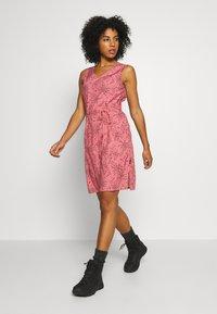 Jack Wolfskin - TIOGA ROAD PRINT DRESS - Sports dress - rose quartz - 1
