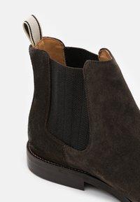 GANT - SHARPVILLE - Classic ankle boots - dark brown - 5