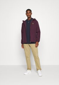 Lyle & Scott - ZIP THROUGH HOODED JACKET - Summer jacket - burgundy - 1