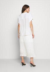 Freequent - Button-down blouse - brilliant white - 2