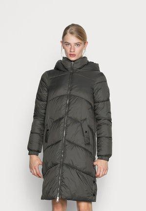 VMUPPSALA LONG JACKET - Abrigo de invierno - peat