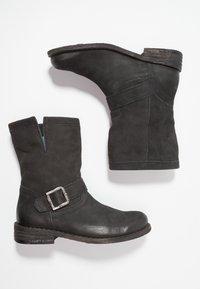 Felmini - GREDO - Cowboy/biker ankle boot - pacific black - 3