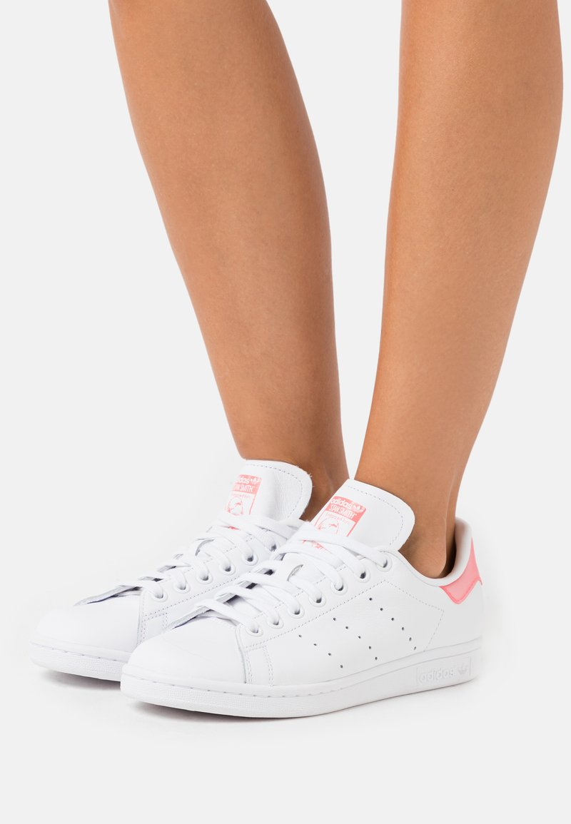 adidas Originals - STAN SMITH SPORTS INSPIRED SHOES - Trainers - footwear white/signal pink