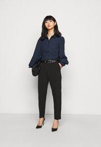 Wallis Petite - HENNA PULL ON - Trousers - black - 1