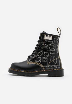 1460 BASQUIAT - Veterboots - white/black smooth