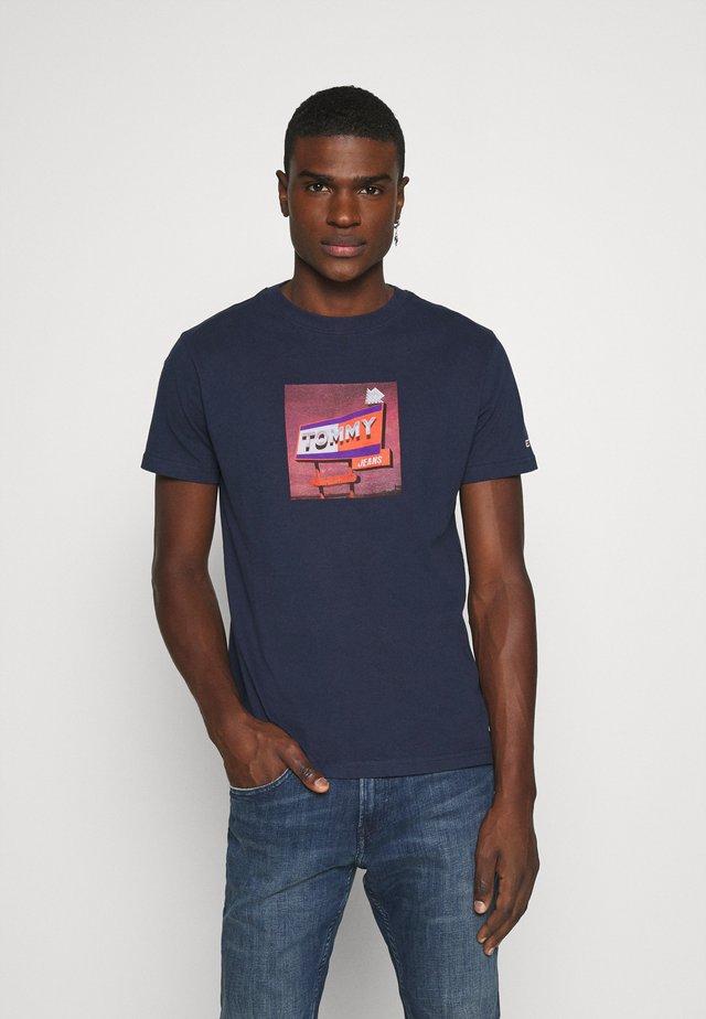 PHOTO TEE - T-shirt print - twilight navy