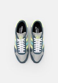 adidas Originals - USA 84 CLASSIC RUNNING SPORTS INSPIRED SHOES UNISEX - Trainers - grey/hi-res yellow/clear aqua - 3