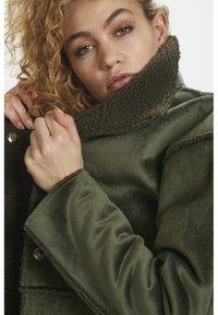 Denim Hunter - DHBELLE SHEARLING COAT - Płaszcz wełniany /Płaszcz klasyczny - forest night - 7