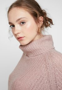 ONLY - ONLVEGA ROLLNECK  - Trui - adobe rose/melange - 3