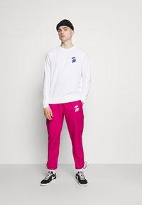 Nike Sportswear - Sweatshirt - white - 1