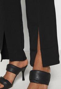 4th & Reckless - ELLA TROUSER - Kalhoty - black - 3