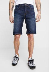 Zalando Essentials - Denim shorts - blue denim - 0
