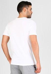 Jack & Jones - JACBASIC CREW NECK TEE 2 PACK  - Undershirt - white - 2