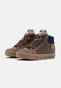 Geox - KILWI BOY - Sneaker high - coffee - 1