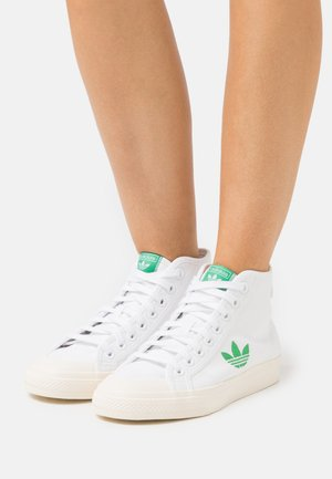 NIZZA TREFOIL  - Korkeavartiset tennarit - footwear white/cream white/vivid green