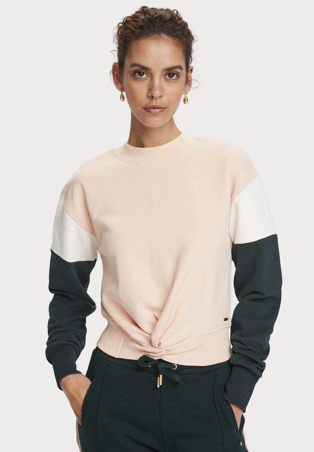 Sweatshirt - combo a