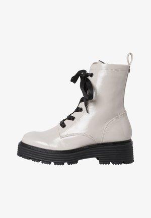 Platform ankle boots - lt grey patent