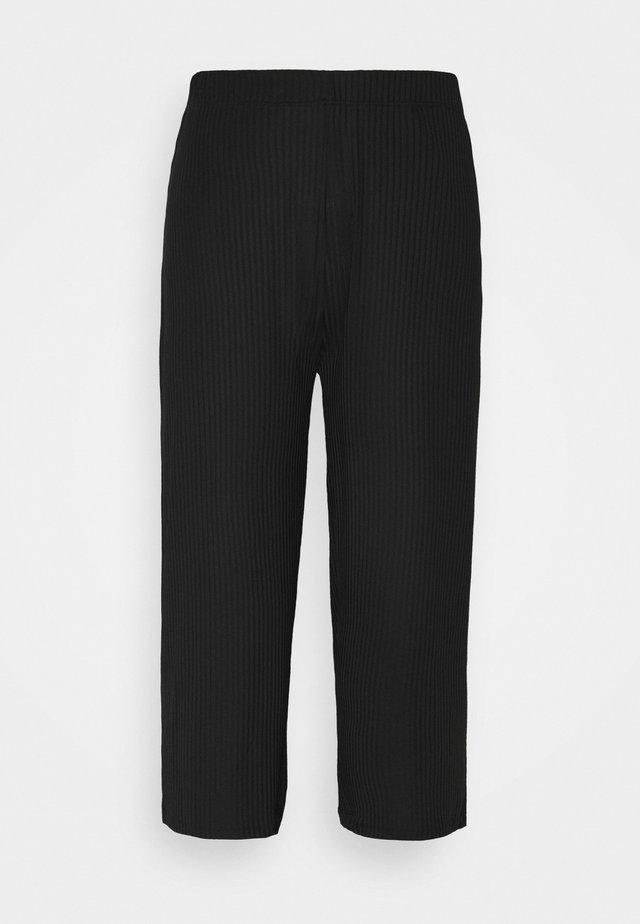 PCTOPPY CULOTTE PANTS - Trousers - black