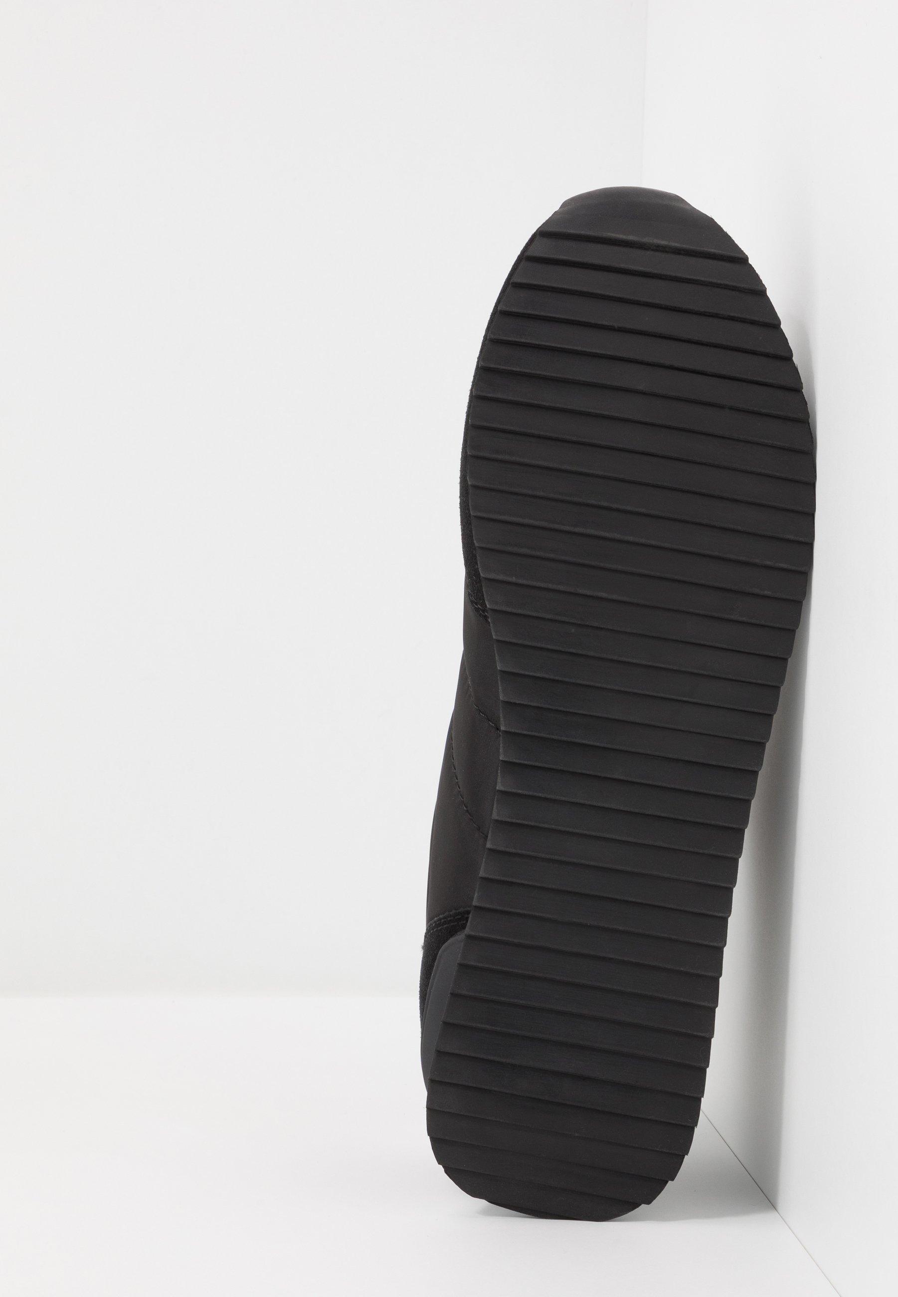 Cotton On RYAN RETRO TRAINER - Sneaker low - black/white/schwarz - Herrenschuhe XrUny
