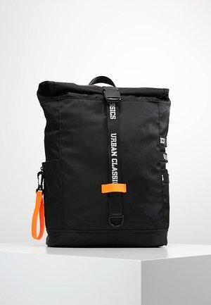 BACKPACK - Plecak - black/neonorange
