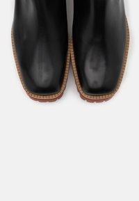 Paloma Barceló - CLERMONT - Kotníkové boty na platformě - black - 6
