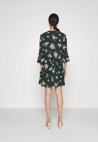 Vero Moda - VMSIMPLY EASY 3/4 WVN G - Day dress - ponderosa pine/sandy ponderosa pine - 2