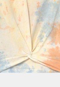 Blue Effect - GIRLS BOXY  - T-Shirt print - orange - 2