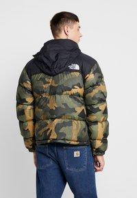 The North Face - 1996 RETRO NUPTSE JACKET - Down jacket - burnt olive - 3