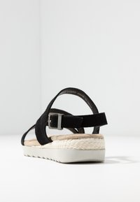 Pier One Wide Fit - Wedge sandals - black - 5