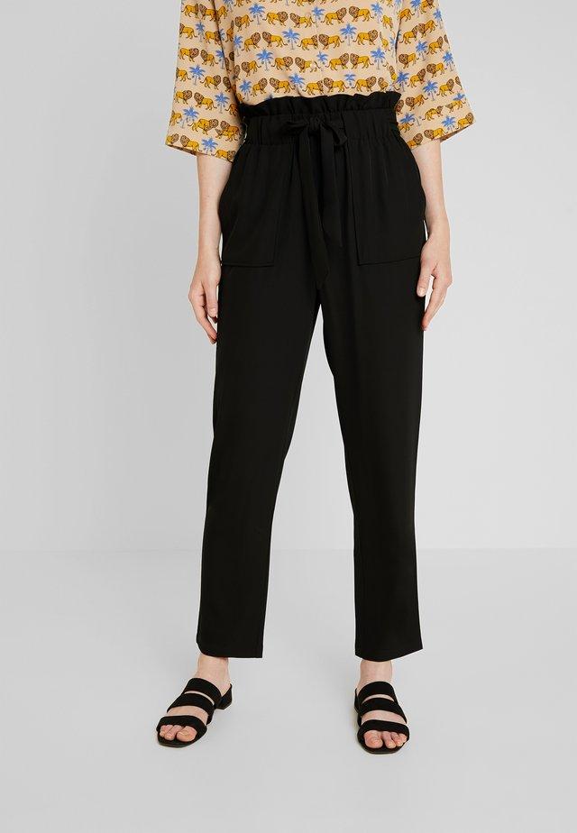 YASHELEN PANT - Spodnie materiałowe - black
