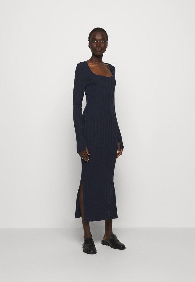 SHERLEE - Długa sukienka - open blue